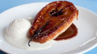 Pear_Tartes_Tatin_With_Star_Anice_and_Vanilla