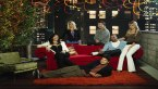 HappyEndings: The cast on a sofa