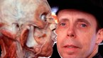 Gunter von Hagens with one of his bodies