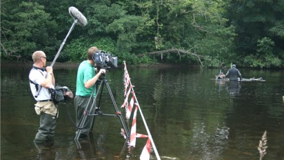 http://www.channel4.com/assets/programmes/images/time-team/piercebridge-behind-the-scenes/7fe088e7-ca2b-4cf2-acbe-879945818228_412x232.jpg