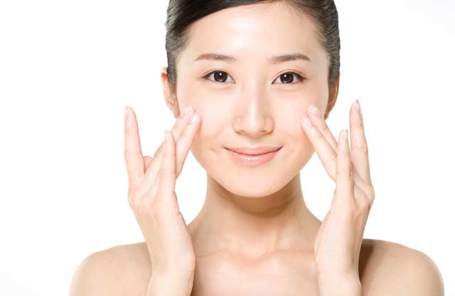 http://www.channel4.com/media/images/Channel4/4Beauty/make-up-and-skin-care/skin-care/combination-skin/combination-skin-landscape.jpg