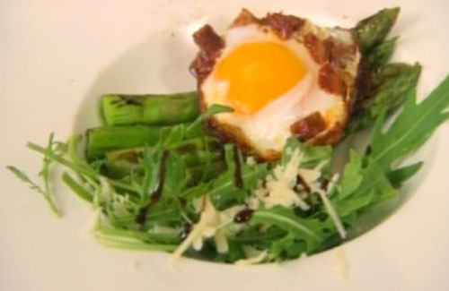 Duck eggs with chorizo and asparagus