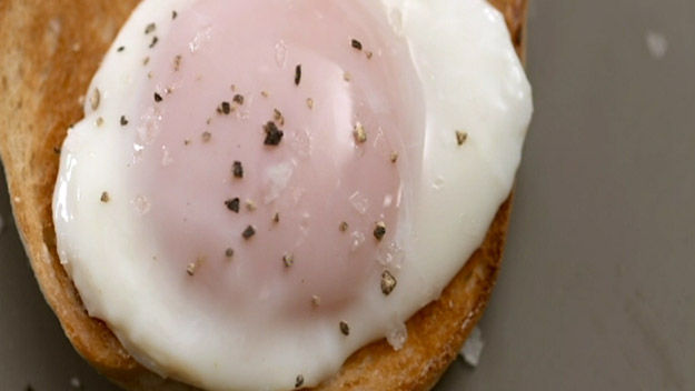 How to cook like heston articles poached eggs recipe for How to cook fish eggs