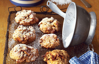 Oat, apple and cinnamon cookies