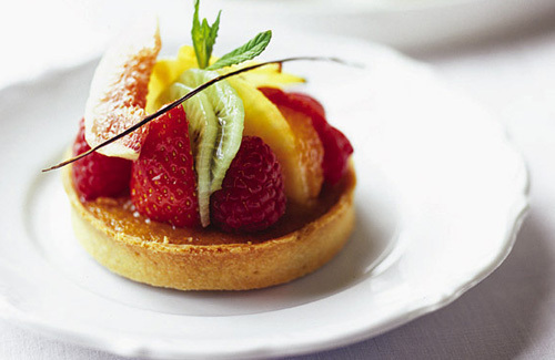 Treacle tarts with fruits