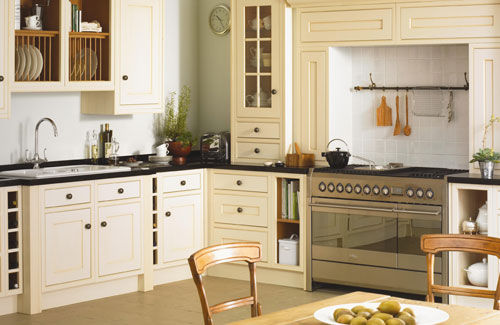 33 country kitchen design ideas channel4 4homes for Country style kitchen b q