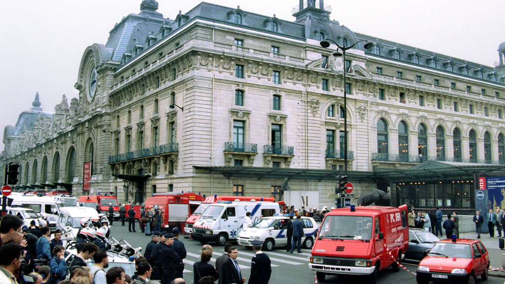 Evacuation after a bomb at the Musee d'Orsay station in Paris (Reuters)