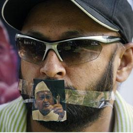 India pro-Anna Hazare protestor (Reuters)