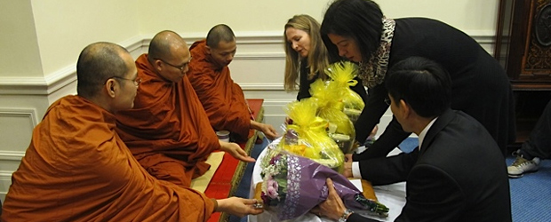 Photos of the alms-giving ceremony at the Thai embassy (provided by the families)