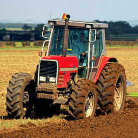 Tractor in field (Getty)