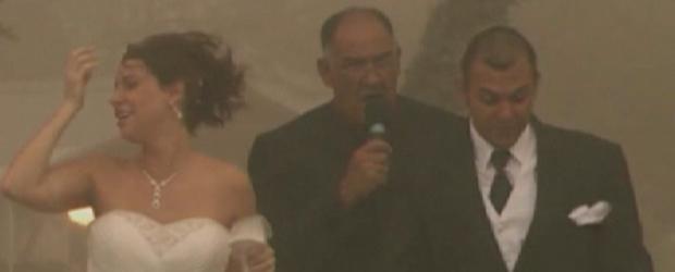 A sandstorm engulfs Gus and Jennifer Luna's wedding in Arizona.
