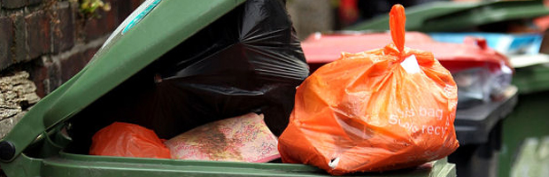 Government pledges cash for weekly rubbish collections (Getty)