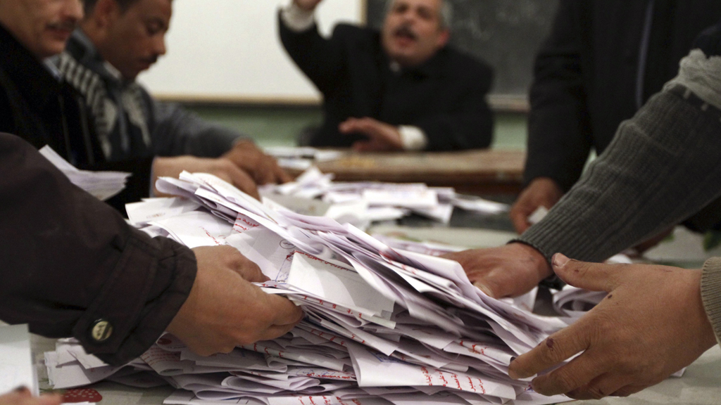 Votes are counted in Egypt's referendum on the adoption of a new constitution (Reuters)
