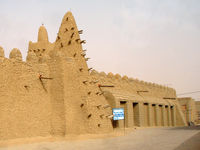 Rebels from Ansar Dine targeted sites of religious significance in Timbuktu such as the Mosque Djingarey Berra. (Flickr user: 10b_travelling)