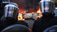 Riot cops in Tottenham riots (Getty)