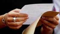 Under pressure teachers 'boosted GCSE marks' (G)