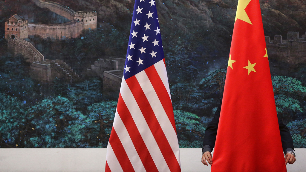 Chinese and US flags (Getty)