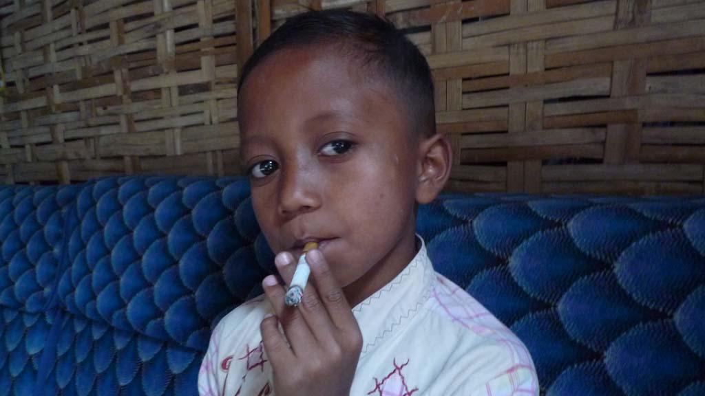 Indonesia's tobacco children