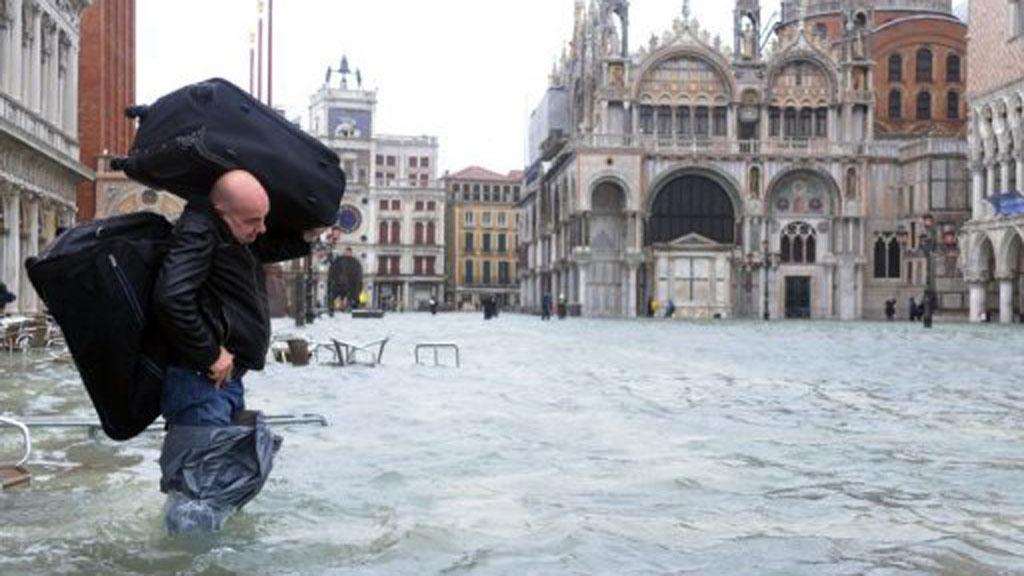 Heavy rains trigger 'acqua alta'- high water (pic: Reuters)