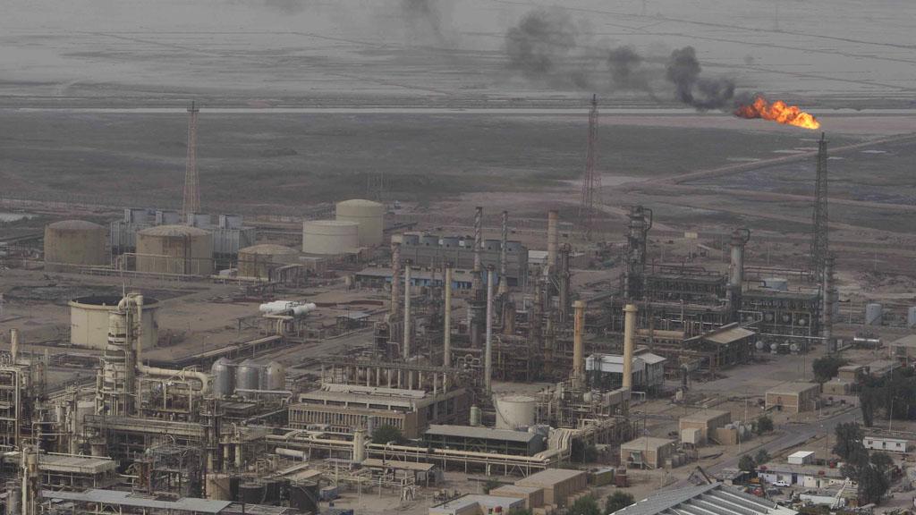 Oil refinery in Basra (Reuters)