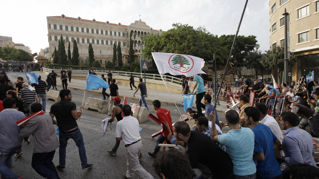 Violent protests follow Lebanese funeral (R)