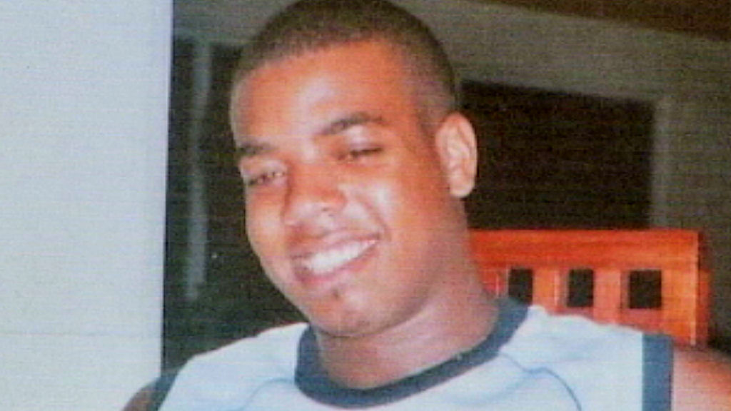 Dramatic footage has been shown for the first time at a public inquiry into the police shooting of a suspected drug dealer seven years ago in north London.