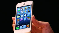 Apple plays it stylish but safe with the iPhone 5