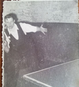 Ken plays a singles game in his early twenties (Ken Leighton)