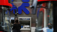RBS promises to 'put right' computer glitch (picture: Reuters)