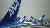 Dreamliner fleet grounded in Japan after emergency landing (R)