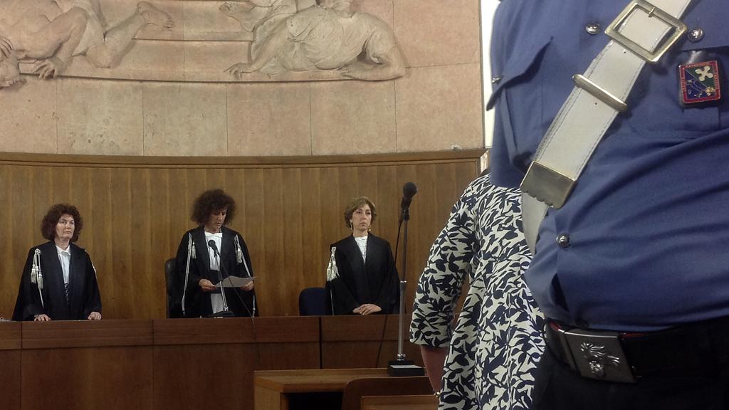 Magistrates in Milan pass sentence on Berlusconi (Reuters)