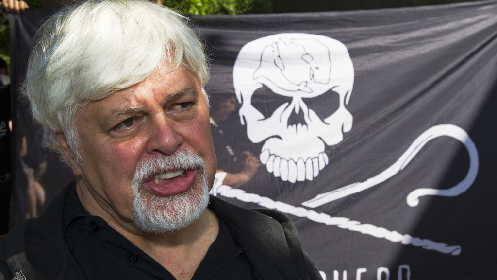 Paul Watson, Sea Shepherd founder (R)