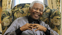 Nelson Mandela has returned to hospital with a lung infection (picture: Reuters)