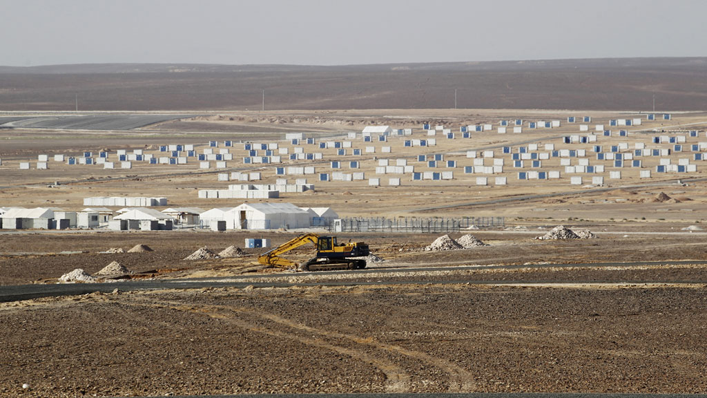 Azraq Syrian Refugee Camp, the third of its kind, under construction near Al Azraq, 80km (50 miles) east of Amman (R)