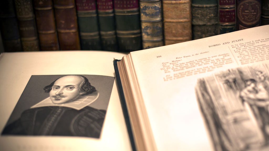 Scholars condemn university's plan to sell off Shakespeare (R)