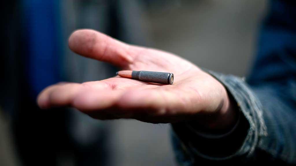 Ukraine two dead after shooting breaks Easter truce