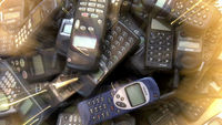 Lots of old second hand phones (G)