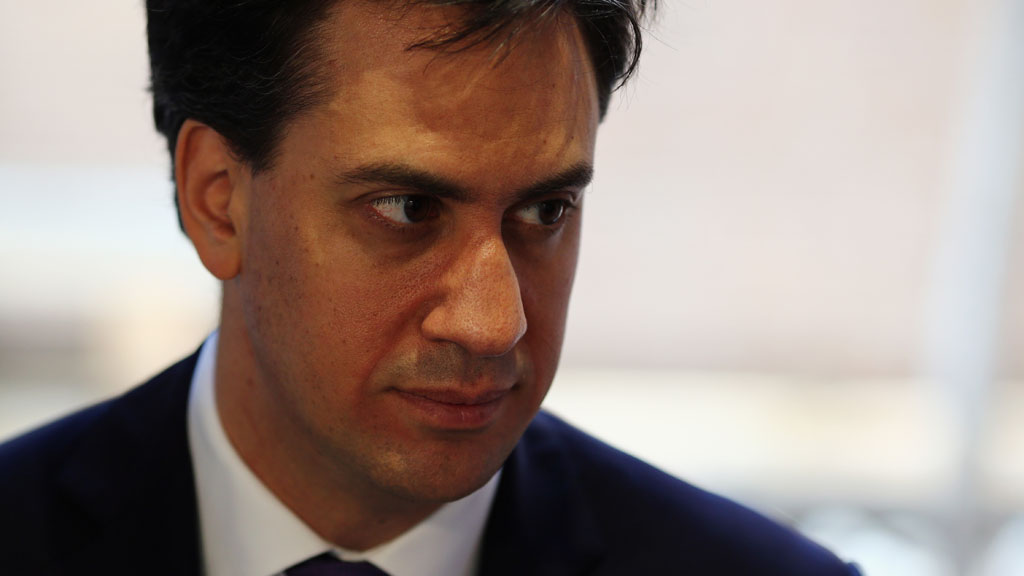Ed Miliband vows to increase compeitition by forcing banks to sell branches