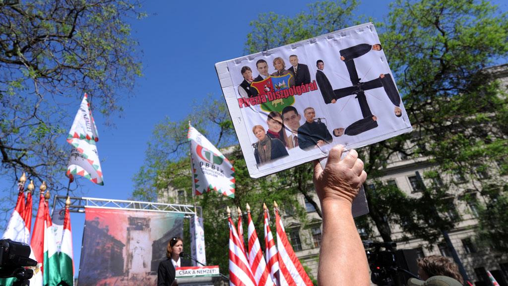 Hungarian Group Jobbik On The Run In London