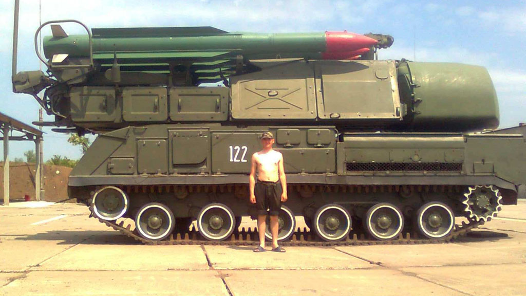 Separatist with 'looted' Buk system