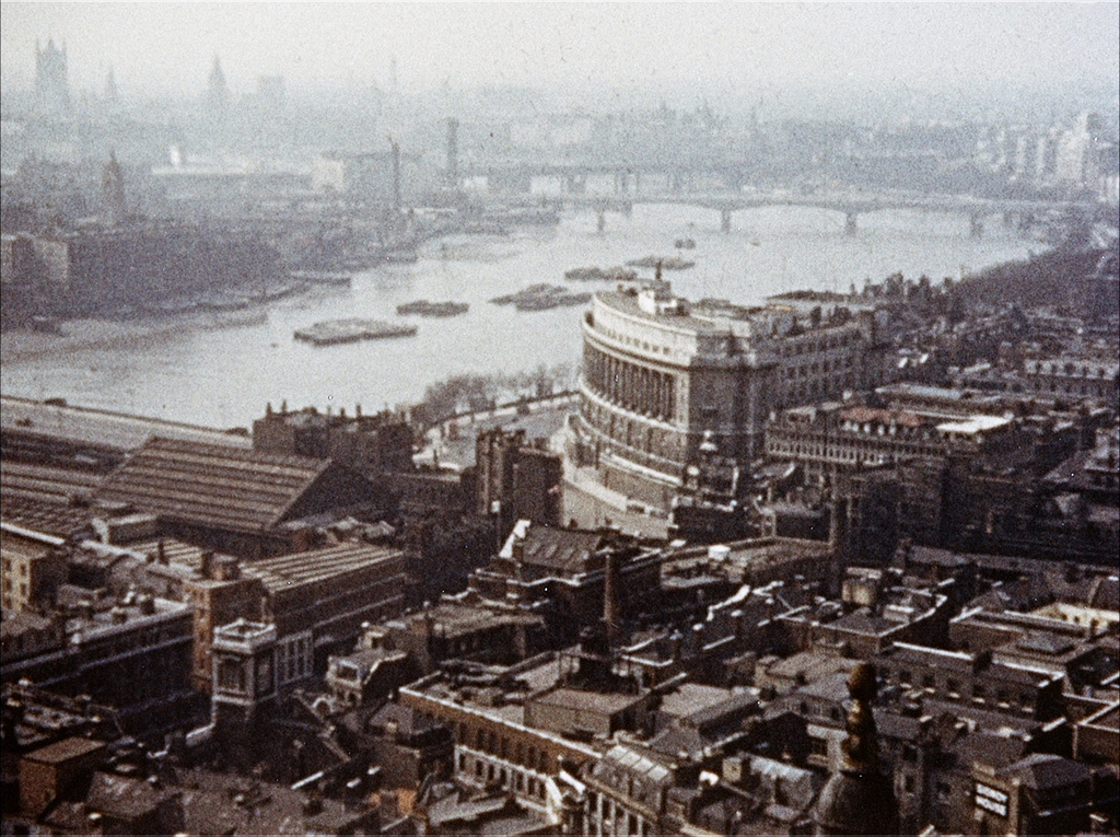 How We Used to Live - When aerial views of London didn't cost 25 pounds. (Heavenly Films, Bedlam Productions, BFI National Archive)
