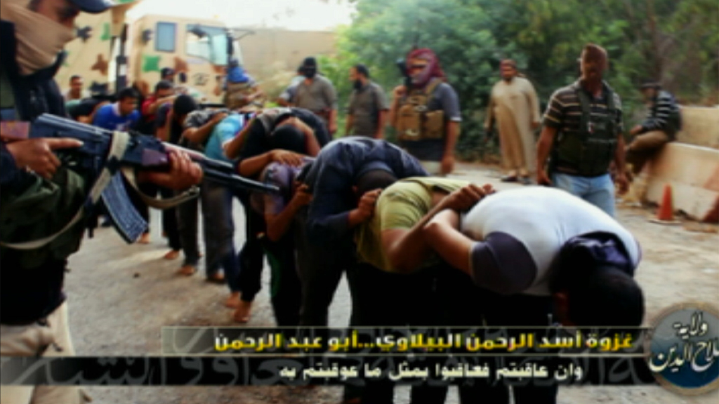Isis photo appears to show Iraqi soldiers being herded by militias