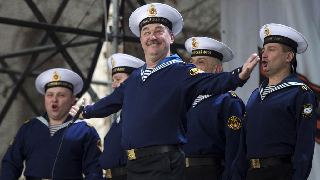 Russian army choir in Sevastopol (Reuters)