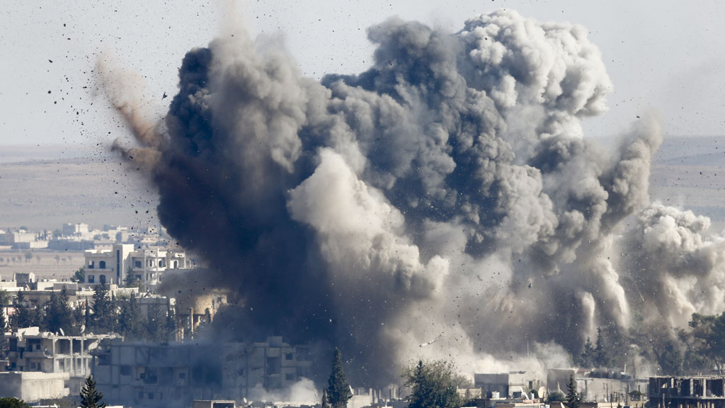 Explosions as jets hit IS positions (Reuters)