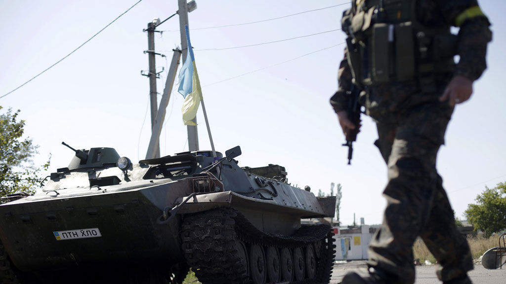 Ukraine shelling threatens delicate ceasefire