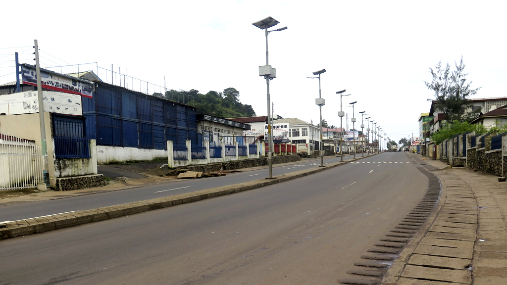 Empty street in Sierra Leone's Freetown during the three-day anti-Ebola lockdown (Reuters)