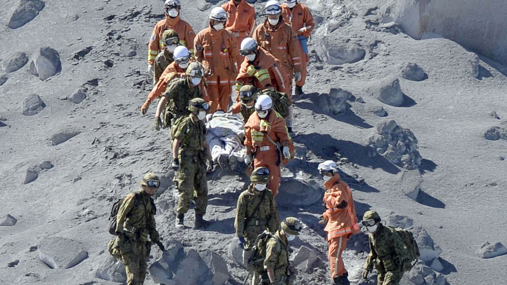 Thirty feared dead in Japanese volcano eruption