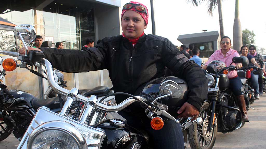 Indian female bikers (Reuters)