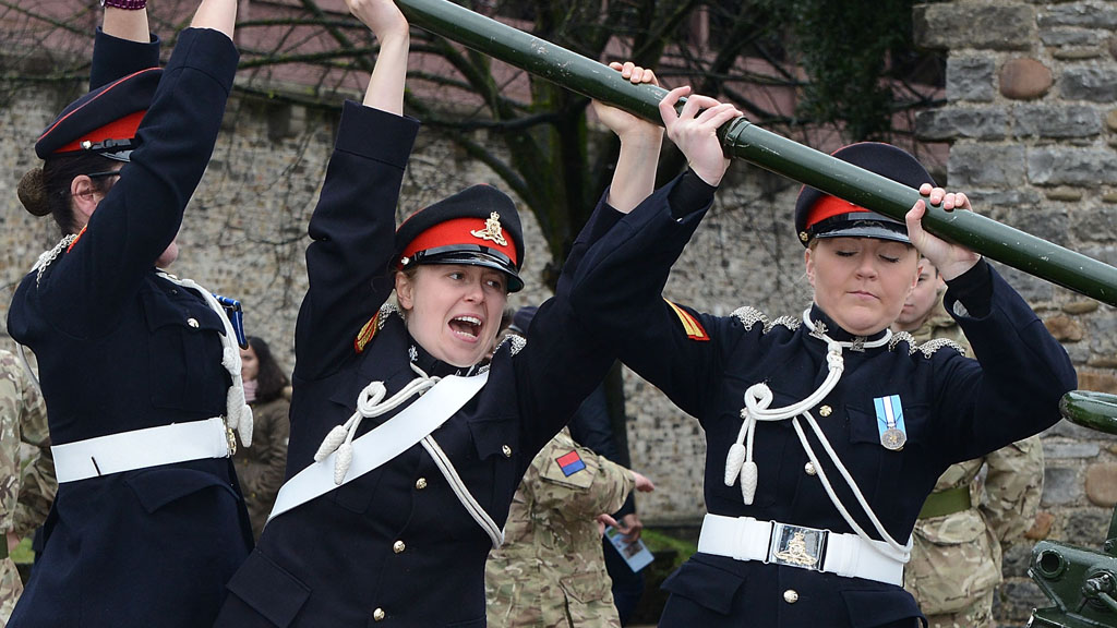 Female Army reservists (Getty)