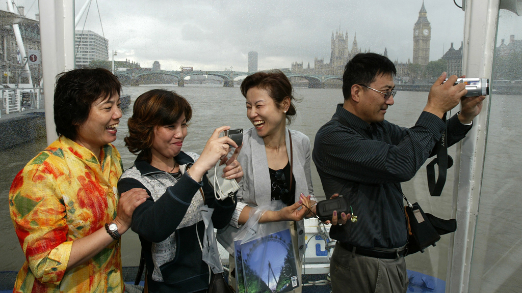 Chinese tourists in London (Reuters)